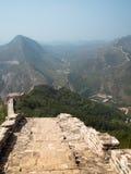 Paesaggio della grande muraglia della Cina con l'allungamento delle creste Immagini Stock Libere da Diritti