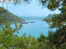 Paesaggio della linea costiera del tacchino del Mar Mediterraneo Immagini Stock