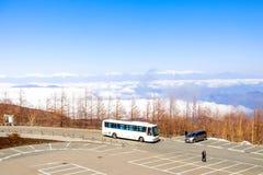 Paesaggio della linea della nuvola di vista con le alpi del Giappone sulla quinta stazione Immagine Stock