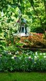Paesaggio della molla di stordimento, giardino famoso di Keukenhof con i tulipani freschi variopinti, fotografie stock libere da diritti