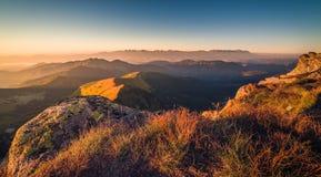 Paesaggio della montagna al tramonto Fotografia Stock Libera da Diritti