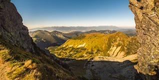 Paesaggio della montagna al tramonto Fotografie Stock Libere da Diritti