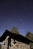 Paesaggio della montagna alla notte Fotografia Stock