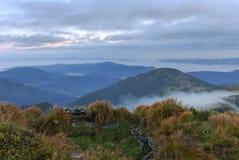 Paesaggio della montagna in Carpathians immagini stock libere da diritti