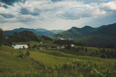 Paesaggio della montagna carpatica Fotografia Stock