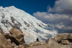 Paesaggio della montagna con il ghiacciaio Fotografia Stock
