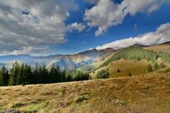Paesaggio della montagna con il picco di Ineut. Fotografia Stock