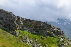 Paesaggio della montagna con le rocce Fotografie Stock Libere da Diritti