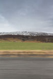 Paesaggio della montagna con moto fotografia stock