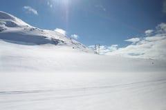 Paesaggio della montagna con neve fotografia stock