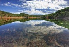 Paesaggio della montagna con un lago Fotografie Stock Libere da Diritti