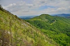 Paesaggio della montagna dalla riserva di Sesul Craiului-Scarita-Belioara Fotografia Stock