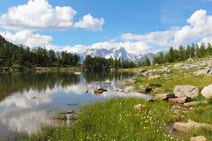 Paesaggio della montagna del lago Arpy Fotografia Stock