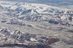 Paesaggio della montagna dell'Islanda di vista aerea di bellezza durante la stagione invernale Fotografia Stock