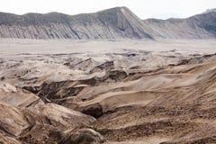 Paesaggio della montagna della duna di sabbia del deserto del cratere del vulcano di Bromo, Eas Fotografia Stock Libera da Diritti