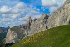 Paesaggio della montagna delle alpi di estate Fotografie Stock