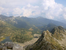 Paesaggio della montagna delle dolomia di Brenta, autunno, nuvole basse e nebbia Fotografia Stock