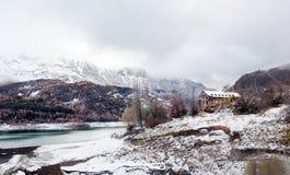 Paesaggio della montagna dello Snowy Immagini Stock