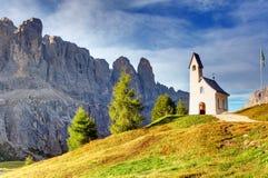 Paesaggio della montagna di estate in alpi Fotografie Stock