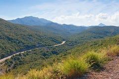 Paesaggio della montagna di estate con la strada Alpi di Dinaric, Montenegro Fotografia Stock