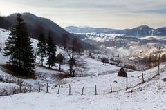 Paesaggio della montagna di inverno Immagine Stock