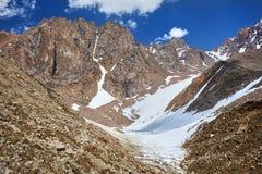 Paesaggio della montagna di Snowy immagini stock libere da diritti