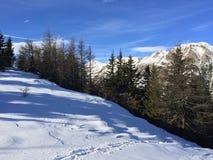 Paesaggio della montagna di Snowy in vipiteno in negativo per la stampa di cartamoneta Adige di trentino Immagini Stock