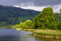 Paesaggio della montagna e dell'acqua Fotografia Stock