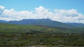 Paesaggio della montagna in Georgia archivi video