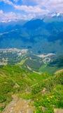 Paesaggio della montagna nel giorno di estate soleggiato Fotografie Stock Libere da Diritti