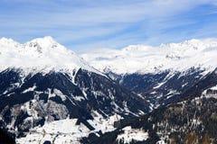 Paesaggio della montagna nelle alpi austriache Immagine Stock