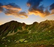 Paesaggio della montagna nelle alpi della Svizzera Fotografia Stock