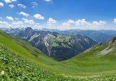 Paesaggio della montagna nelle alpi di Allgau Fotografia Stock