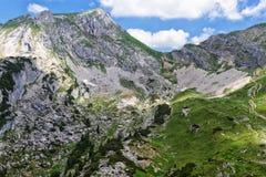 Paesaggio della montagna nelle alpi Vista del picco di Rofan L'Austria, Tiro Immagini Stock
