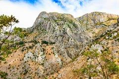 Paesaggio della montagna Pendii rocciosi della catena montuosa di Lovcen Fotografie Stock Libere da Diritti