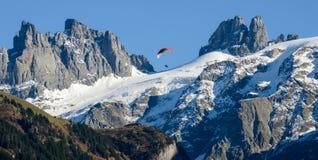 Paesaggio della montagna sopra il villaggio di Engelberg sulla Svizzera Fotografie Stock Libere da Diritti