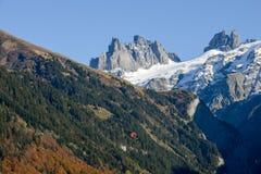 Paesaggio della montagna sopra il villaggio di Engelberg sulla Svizzera Immagine Stock Libera da Diritti