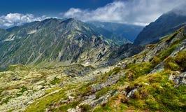Paesaggio della montagna su estate Fotografie Stock