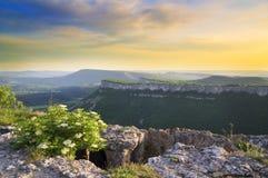 Paesaggio della montagna sul tramonto. Fotografie Stock Libere da Diritti