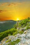 Paesaggio della montagna sul tramonto. Fotografia Stock