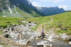 Paesaggio della montagna a Truebsee sopra Engelberg sulle alpi svizzere Fotografia Stock