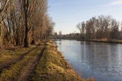 Paesaggio della natura con il fiume Elba Immagine Stock