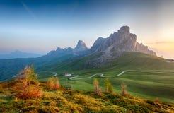 Paesaggio della natura della montagna nelle alpi delle dolomia, Italia Fotografia Stock Libera da Diritti