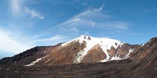 Paesaggio della neve del picco di montagna Immagine Stock