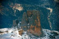 Paesaggio della neve della montagna delle dolomia nell'inverno Fotografie Stock Libere da Diritti