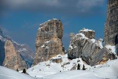 Paesaggio della neve della montagna delle dolomia nell'inverno Fotografie Stock