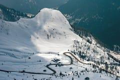 Paesaggio della neve della montagna delle dolomia nell'inverno Immagine Stock