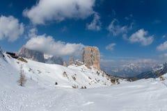 Paesaggio della neve della montagna delle dolomia nell'inverno Fotografia Stock Libera da Diritti