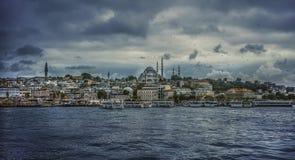 Paesaggio della parte anteriore di mare della parte storica di Costantinopoli, Turchia Vista del mare di Costantinopoli Concetto  Immagine Stock Libera da Diritti