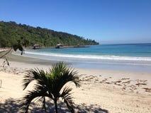 Paesaggio della spiaggia della località di soggiorno di isola di Sabah immagine stock libera da diritti